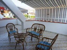 Квартира с большой террасой 200м от моря