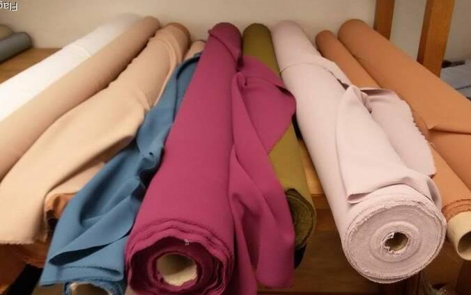 Агент по тканям и одежде в Италии сток оптом