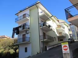 Двухкомнатная квартира недалеко от моря