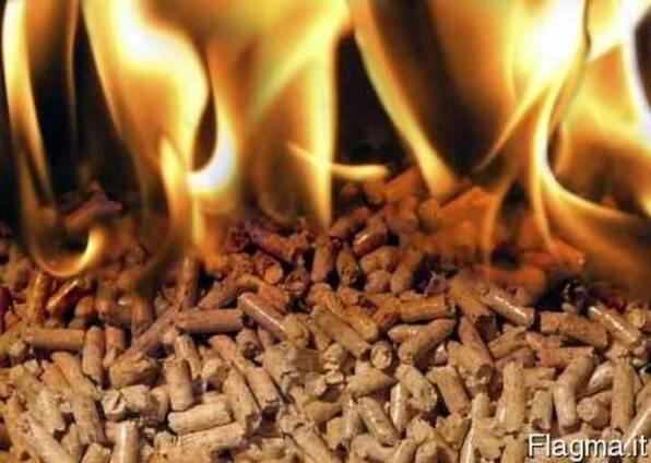 Пеллеты, брикеты топливные, дрова колотые, уголь древесный.