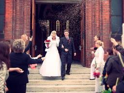 Переводчик на бракосочетании и свадьбе