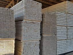 Sawn timber of pine. Legname di pino.