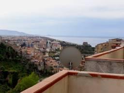 Скалея,апартамент1 спальня и террасса с видом на море!