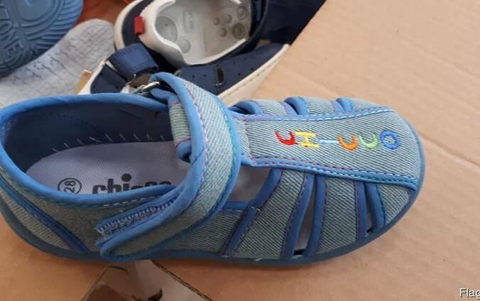 Stock детской итальянской обуви Chicco.