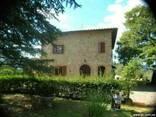 Вилла с виноградником в Тоскане - фото 1